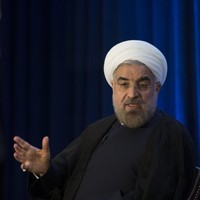 Shoe thrown at Iranian President following historic Obama phonecall