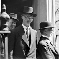 De Valera colluded with British authorities to break the IRA