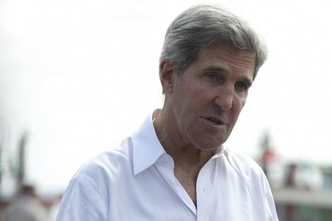 John Kerry speaks to the media in Bali