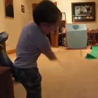 VIDEO: Check out the trick shots from this three-year-old Irish golfer