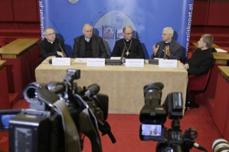 Officials of Poland''s Catholic Church talk to reporters in Warsaw, Poland last week about cases of pedophilia among Polish priests