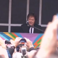 Paul McCartney performs surprise mid-afternoon gig in Times Square