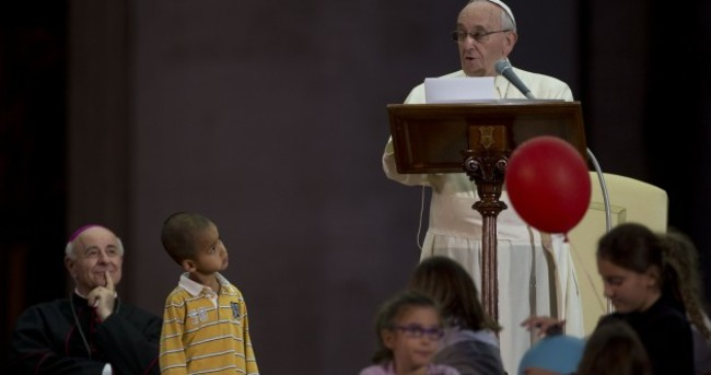 Pope Francis allows little boy to crash the stage at the Vatican