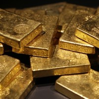 Man 'throws away $500,000 worth of gold' as revenge on ex-wife