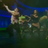 BBC's Newsnight presenter closes Halloween show with Thriller dance