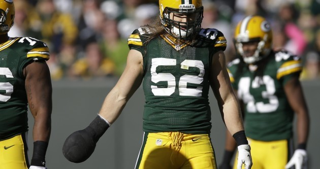Snapshot: Clay Matthews plays NFL game with a club on his hand