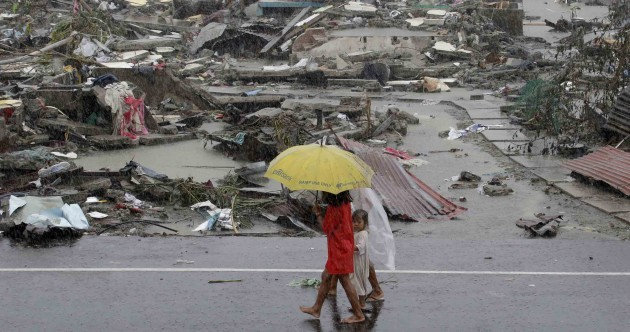'Absolute bedlam' as 4 million people affected by Philippines typhoon