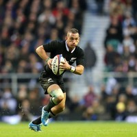 I'm not stepping into Dan Carter's shoes, I wear my own -- Aaron Cruden