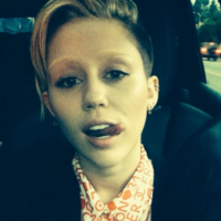 Where in tarnation are Miley Cyrus' eyebrows? It's the Dredge