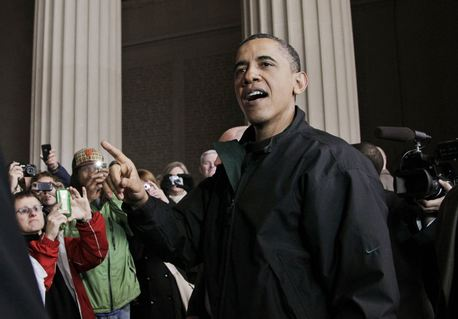 Barack Obama speaks to visitors at the Lincoln Memorial on the National Mall in Washington on Saturday, the night after Republicans and Democrats struck a budget deal to avoid a government shutdown.