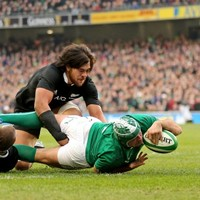 Rory Best threw himself into a ruck 30 seconds AFTER fracturing his arm