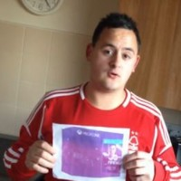 Man pays €540 on eBay for a photo of an XBox One