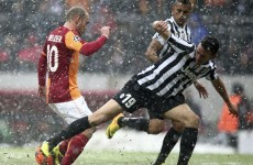 Sneijder strike sends Gala through at Juve's expense