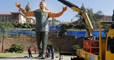 Giant statue of Nelson Mandela goes up in Pretoria