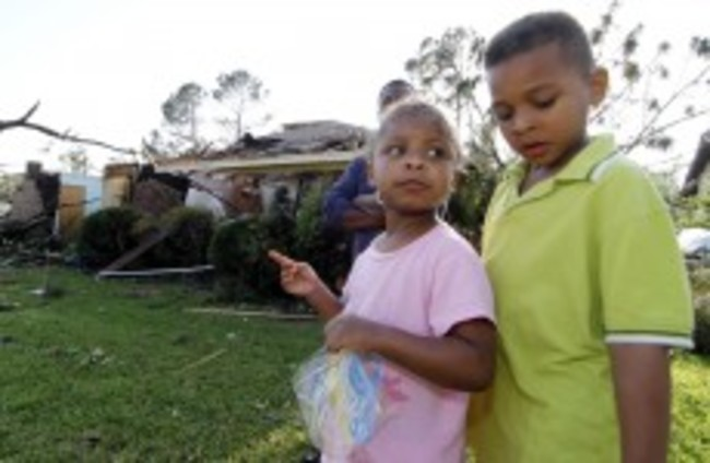 Death toll rises to 17 as storms and tornadoes hit the Deep South of US