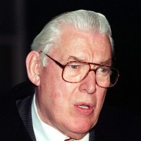 NI Secretary of State referred to Ian Paisley as a 'schizophrenic'