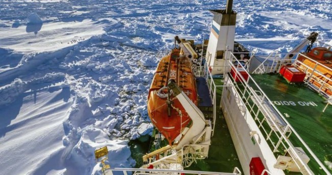 Rescuers due to reach ship stuck in Antarctic ice