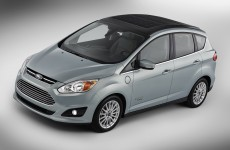 Ford set to unveil solar-powered hybrid car