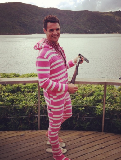 Snapshot: Dan Carter is having an awesome time on his summer holidays