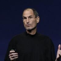 Member of US Congress calls on Steve Jobs to explain Apple tracker