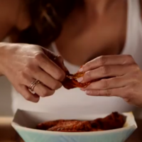 Is this actually the right way to eat chicken wings?