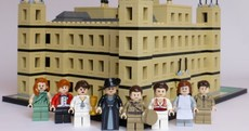 Look at this amazing Downton Abbey Lego set a guy made for his girlfriend