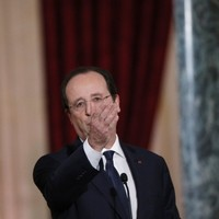French media criticised for 'undeniable deference' to Francois Hollande over affair claims