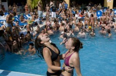 Spring break tourists shaken by Mexican quake
