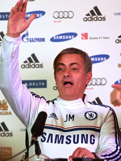Jose Mourinho welcomes back journalist returning to work after cancer fight