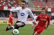 Derry footballers would welcome back soccer star Eoin Bradley with open arms