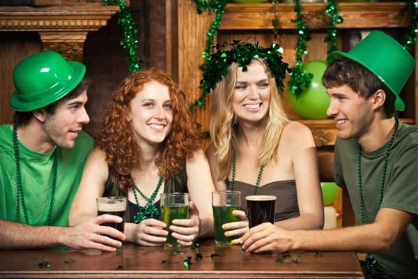 irish guy dating girl american)