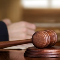 Judge rules couple accused of sex slavery can be named