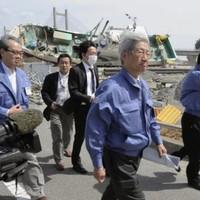 Japan begins repair work on damaged nuclear reactors
