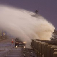 "Orange Alert: More ""violent gusts"" at coasts as new storm bears down on the West"