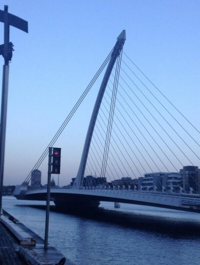 """Software issue"" to blame for rush-hour closure of major Dublin bridge"
