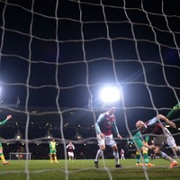 West Ham keep run going with win over Hughton's Canaries
