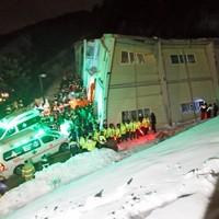 10 dead, dozens trapped in South Korea building collapse