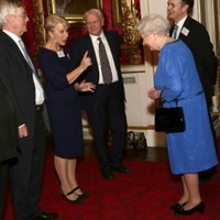 Helen Mirren gives the Queen a right telling off* in this brilliant snap