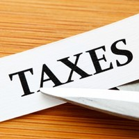 "Tax-cut talk is ""a return to auction politics"", Dáil is told"