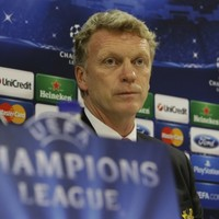 United hold their nerve over Moyes but pressure mounts
