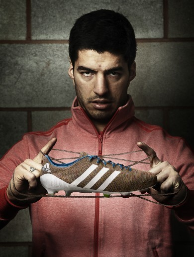 Suarez to unleash the first knitted football boot at Old Trafford