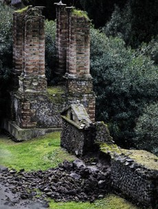 Heavy rains cause wall and arch collapse in Pompeii