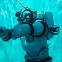 Michelin Man-style suit can take humans to 1,000 feet under the sea