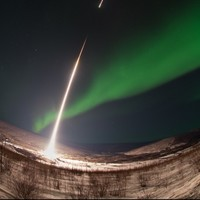 Amazing photo of a NASA rocket being fired into an aurora