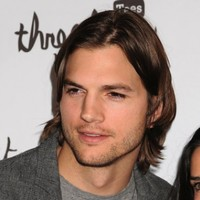 Ashton Kutcher to become one of Two and a Half Men?
