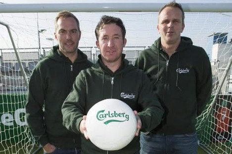 Jason McAteer, Robbie Fowler and Didier Hamann in Dublin yesterday.