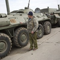 Two Ukrainians killed on eve of Crimea breakaway vote