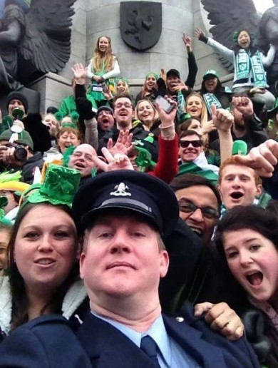 And the award for the Best Oscars-inspired Patrick's Day Selfie goes to ...