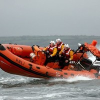 Man missing after boat capsizes on Lough Ree