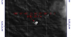 Large 'floating object' seen in Indian Ocean during missing plane search